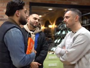 Gary Vaynerchuck speaking with two fans